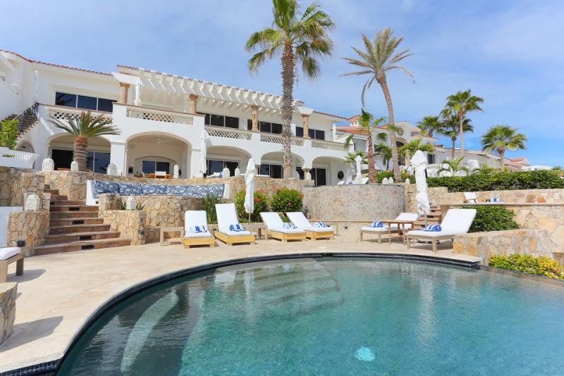 Beachfront Cabo Villa 322